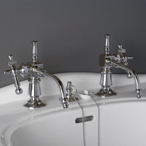 Vintage styled Lavatory Faucet Set